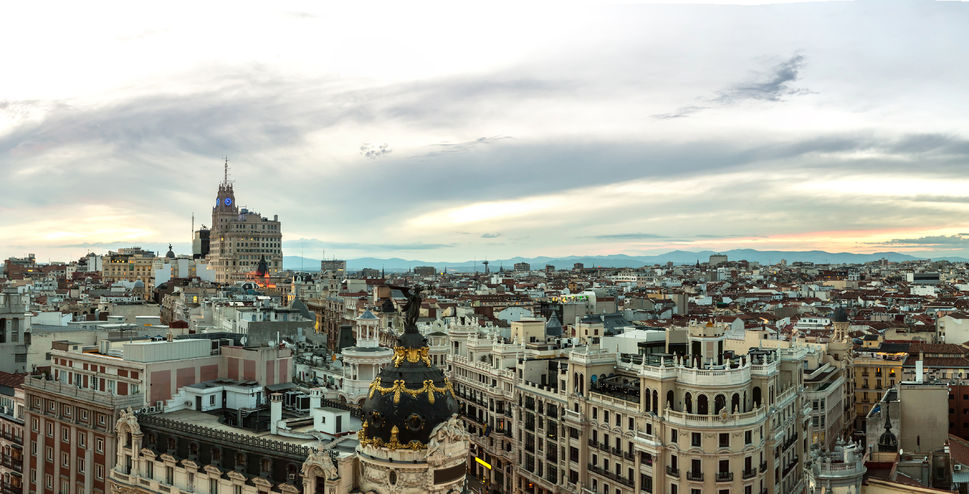 81030125 – panoramical aerial view of madrid in a beautiful summer night, spain