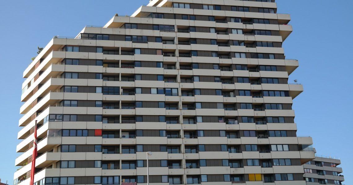 skyscraper-195732_1280